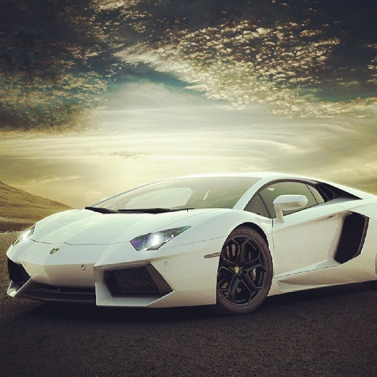 Perfect Car makes a perfect picture!!  -Aventador