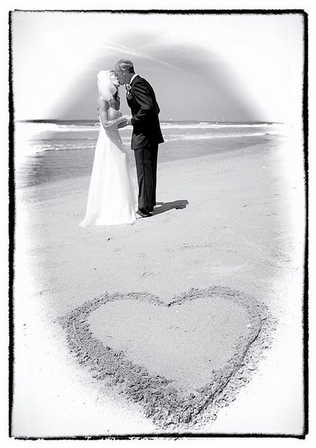 beach wedding ideas decoration in los angeles and orange county by www.yougosurf.com     #weddings