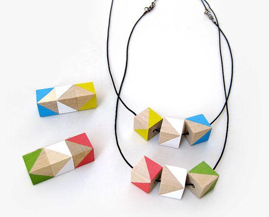 geometric necklace - i want one!