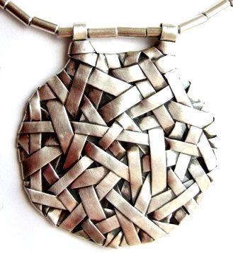 Fine silver contemporary jewellery. Woven series by Gurgel-Segrillo