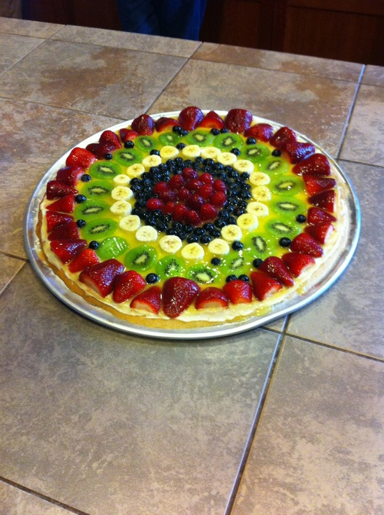 Fruit pizza.. one of my favorites!