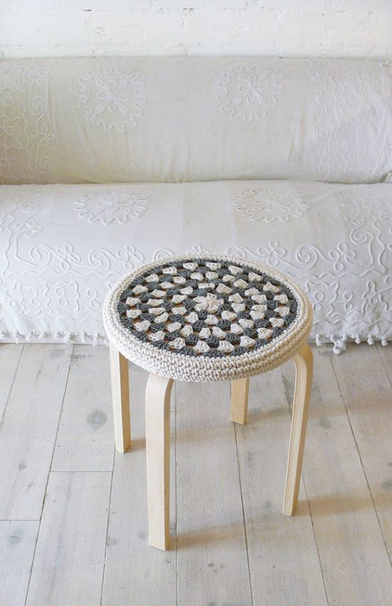 Crochet Stool Cover  greey and ecru by lacasadecoto on Etsy, €19.00