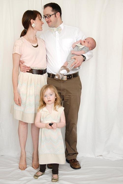 Family christmas photo:  Cream & white color scheme