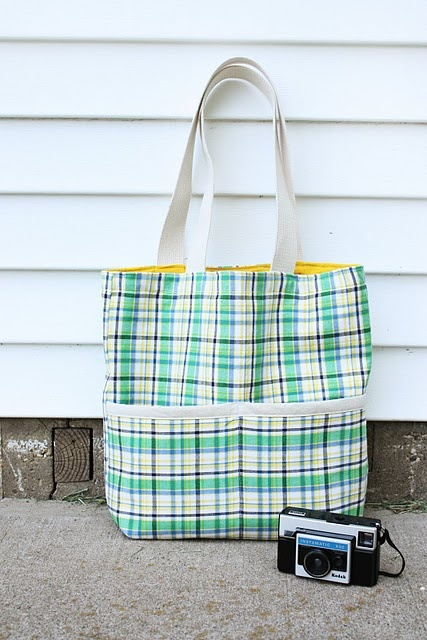 sew - tote bag- This is the first tote I made! I loved it, my mom still has one and I have one for work. I have had many requests for them.