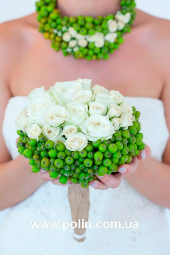 Unusual green and white bouquet and floral necklace - fbcdn-sphotos-e-a...