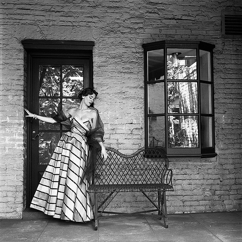 Enchanting striped 1950s evening wear. #vintage #fashion #1950s #dress