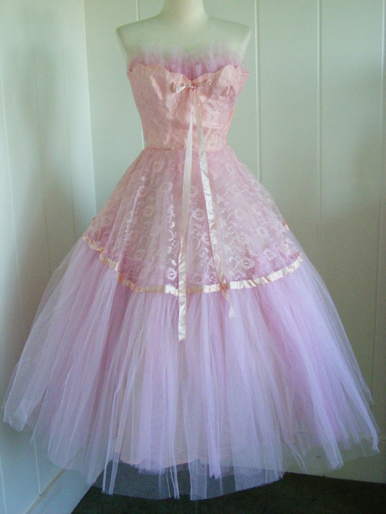 1950's VIntage Pink Tulle and Lace Party Dress.