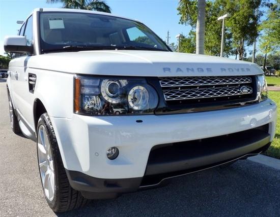 2013 Range Rover Sport in Fuji White