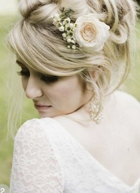 50 Romantic Wedding Hairstyles Using Flowers prettyweddingidea...