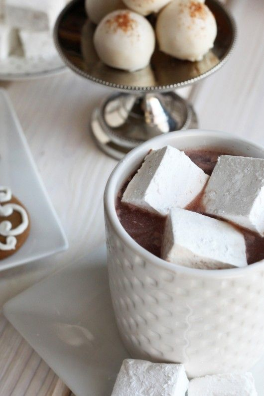 vanilla bean marshmallows perfect for the holidays #recipe #dessert #diy