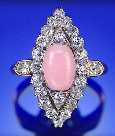 CONCH PEARL AND DIAMONDS