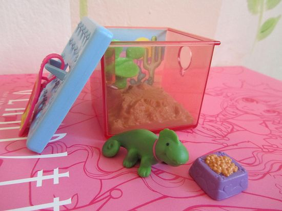 My Littlest Pet Shop Color Change Chameleon