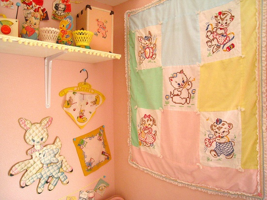 so vintage,i have a baby quilt like this that got used with all 5 kids then my 3.