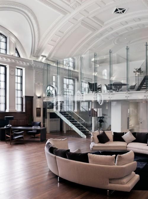 Incredible ceiling