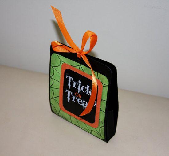 Handmade trick or treat mini gift box by lliideelleecreations, £4.00  #Handmade #trick or #treat #mini @Becky Hui Chan Raef Gift @Jenny by lliideelleecreations etsy.me/15xi0HM via @Etsy #handmadehour #halloween
