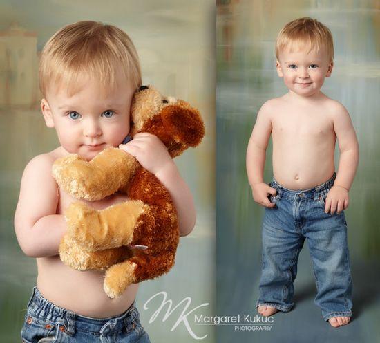 Is this ever an adorable baby boy photo idea!..