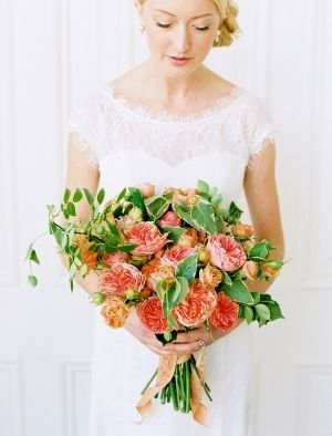 garden rose bouquet from SarahWinward.com // photo by LeoPatronePhotogr...