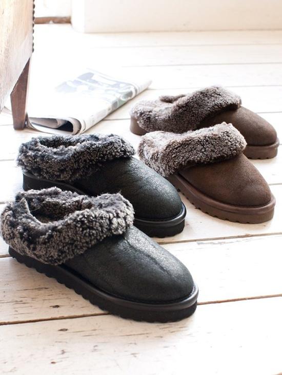 slippers wood floor interior