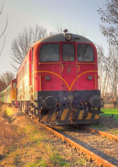 Train   ..rh