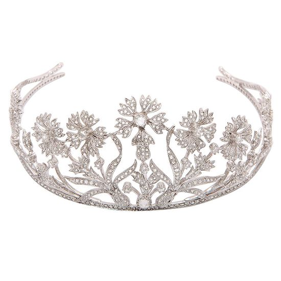 The Perfect Diamond Bridal Tiara  every girl should have her own tiara:)