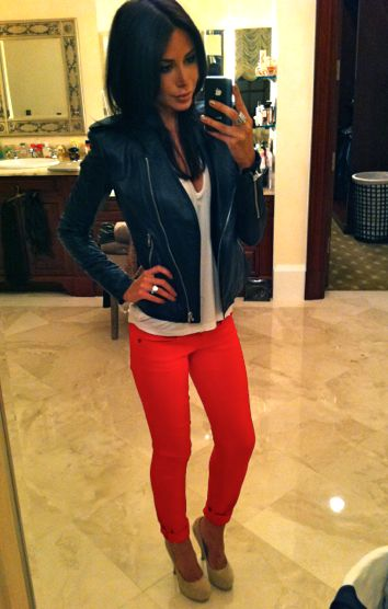 Leather + white tee + color skinny jeans