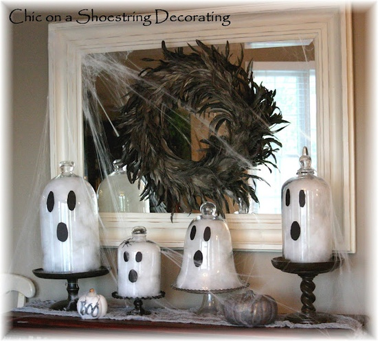 Easy Halloween Ghost Cloches... Boo!! ghost use cotton and construction paper