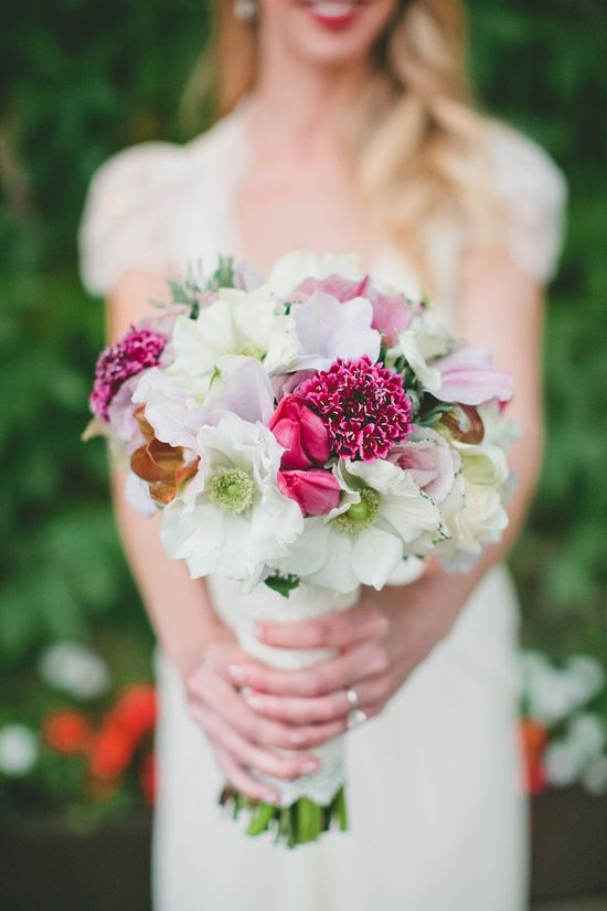 Pretty mix for a winter wedding #bouquet