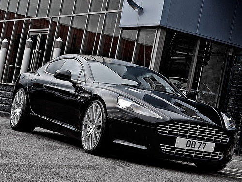 Aston Martin Rapide Voted 'Classic Car of Tomorrow' - TheTopTier.net - The Best in Luxury and Affluence
