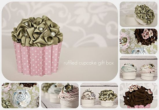 Cupcake gift boxes! What a way to dress up boring old gift cards...