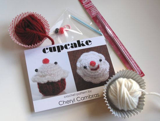 red velvet cupcake - crochet kit