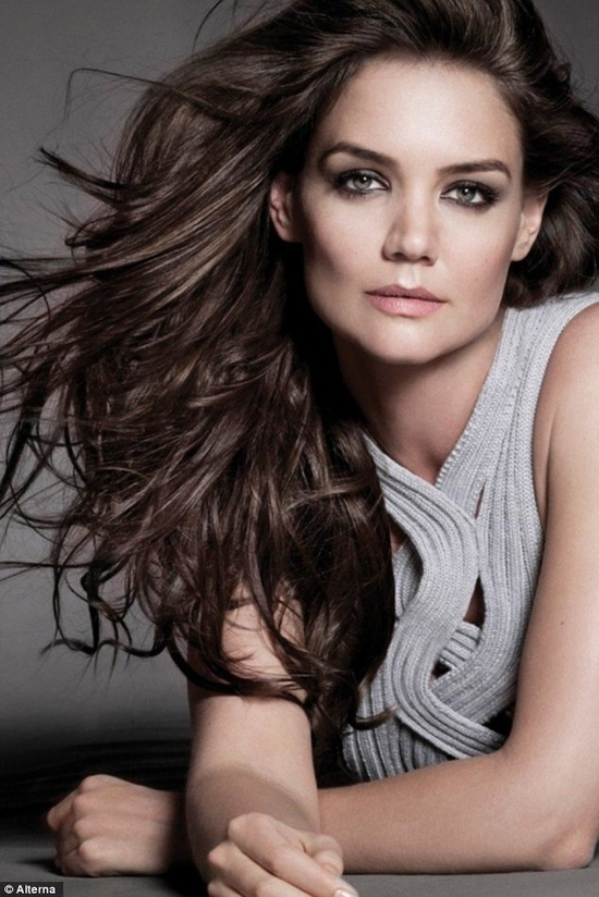 #Katie Holmes      the #makeup is flawless