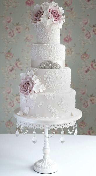 Brushed lace look cake by Cotton and Crumbs.