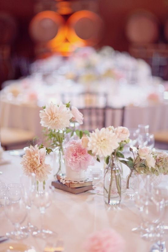 So feminine and romantic! #wedding #events #centerpiece #flowers #vintage