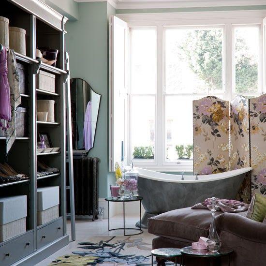 What a glamorous bathroom and dressing area! Soft colours, sumptuous fabrics and contemporary florals. #CILserenity ---------------- Un agencement de couleurs douces et des textiles floraux contemporains donnent des airs de boudoir à cette salle de bain somptueuse. #CILserenity