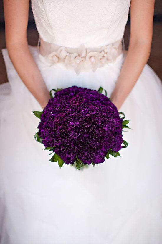 Purple #wedding #bouquets