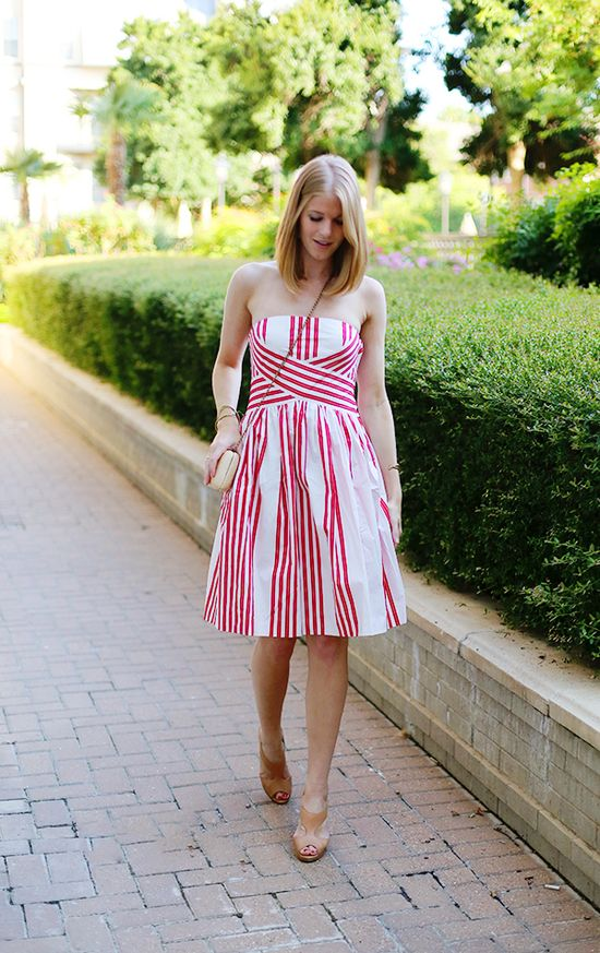 Molly of A Piece of Toast #Anthropologie #AnthroFave #ArchivalCollection #StripedDress Image Via: A Piece of Toast