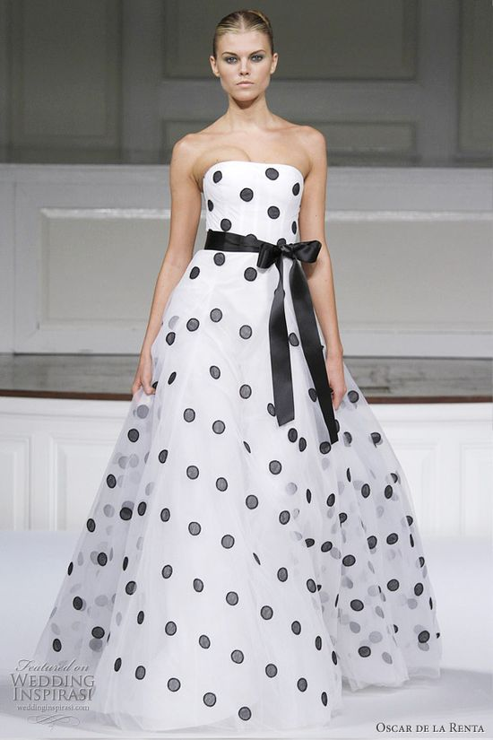 Oscar de la Renta 2011 Spring/Summer ready-to-wear collection - black polka dot ivory silk tulle embroidered gown with satin bow belt