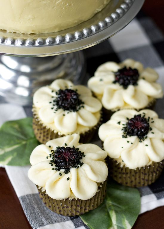 Vanilla Cupcakes with Blackberry-Mascarpone Filling