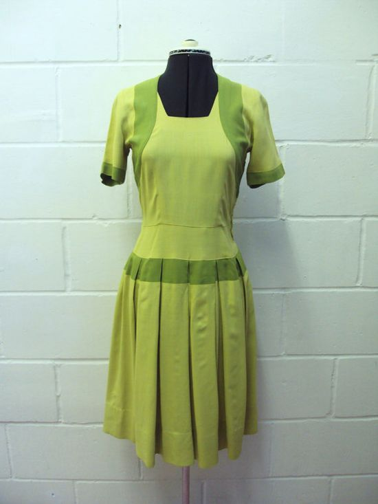 1940s Green Pleated Skirt Day Dress - S