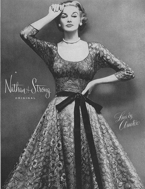I absolutely adore this femininely tailored lace dress from 1955. #vintage #fashion #1950s