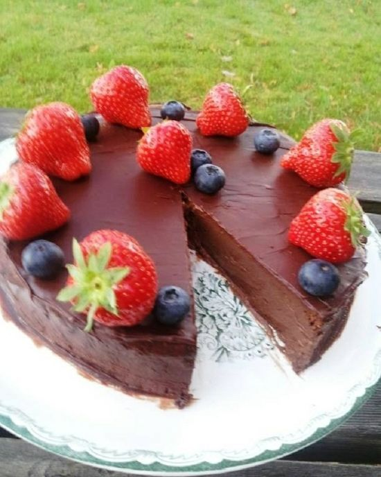 2 Ingredients Chocolate Cake