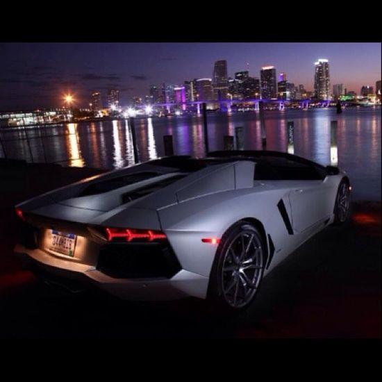 Lamborghini Aventador - Big City