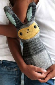cute rabbit softie tutorial - DIY I want to make this.. but bigger, so it doubles as a pillow! :D