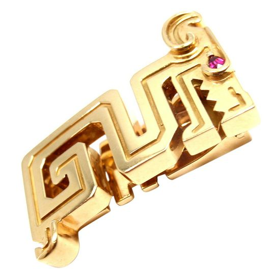 CARTIER.18k Yellow Gold Le Baiser Du Dragon Ruby Lapel Clip Pin by Cartier. With 1 round cabochon ruby stone.20th Century