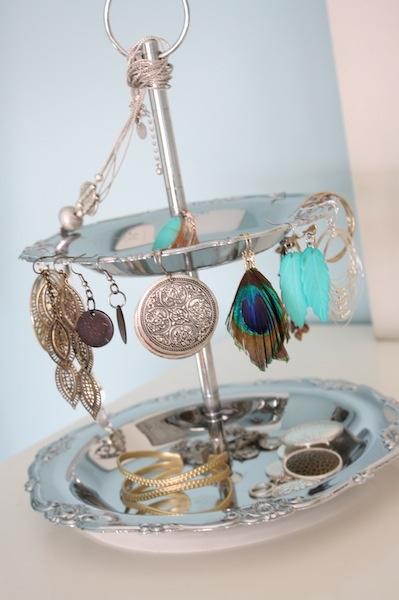cake stand --> jewellery stand