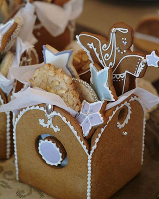 Gingerbread box ~ perfect for Christmas cookies!