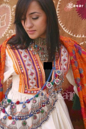 Pashtun Woman's Traditional Dress by www.flickr.com/...