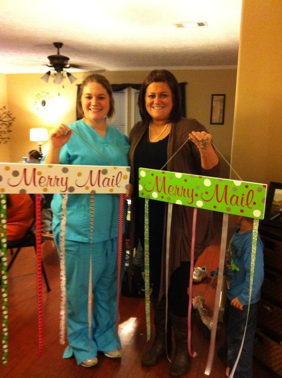 Merry Mail... Cute way to display Christmas Cards.  Totally want to do this!