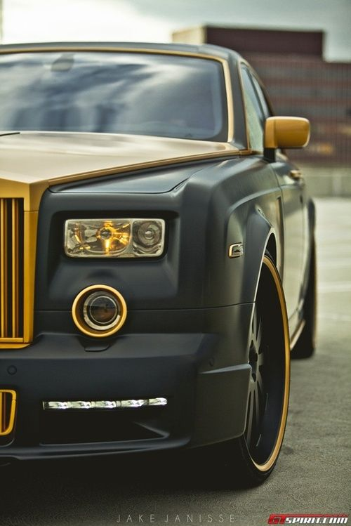 bentley. black + gold = car glamour