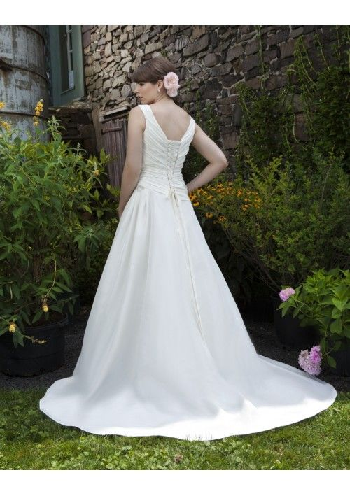 Applique Detail Lace up Ruched Bodice A-Line Plus Size Lucky Wedding Dress